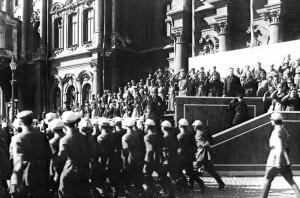 С.М.Киров принимает парад на площади Урицкого, 1931.