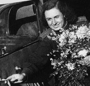 Военный фотокорреспондент Микулина Елизавета Сергеевна